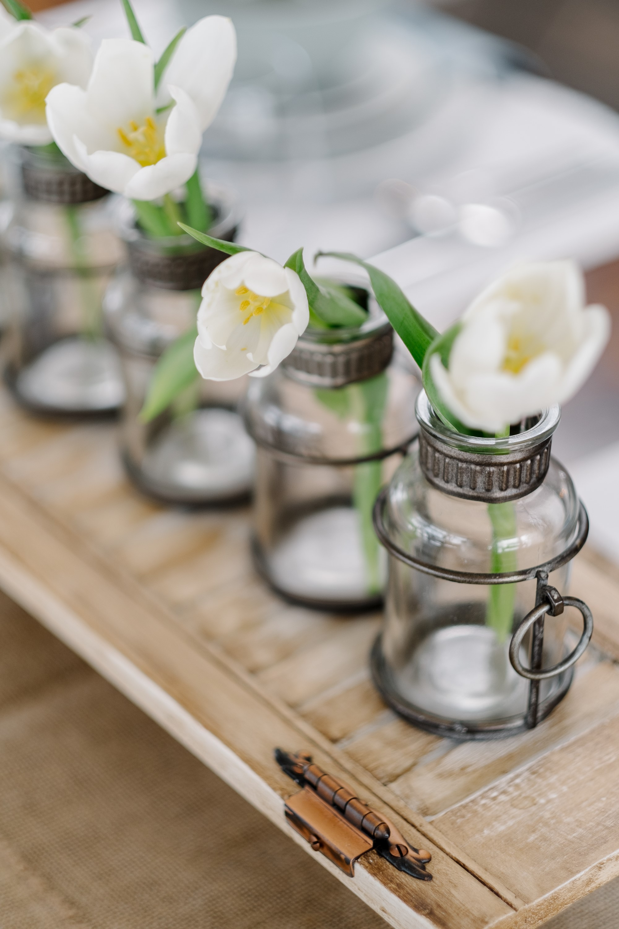 Spring Decorating Ideas with Florals